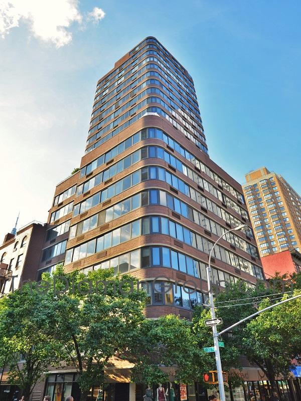 159 East 30th Street The Bentley Condominium Kips Bay Murray Hill Midtown Manhattan New York NY 10016